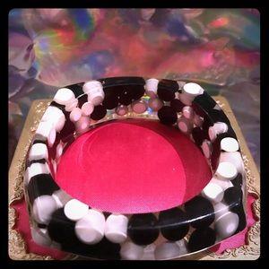 Black white lucite bangle bracelet Betsey Johnson
